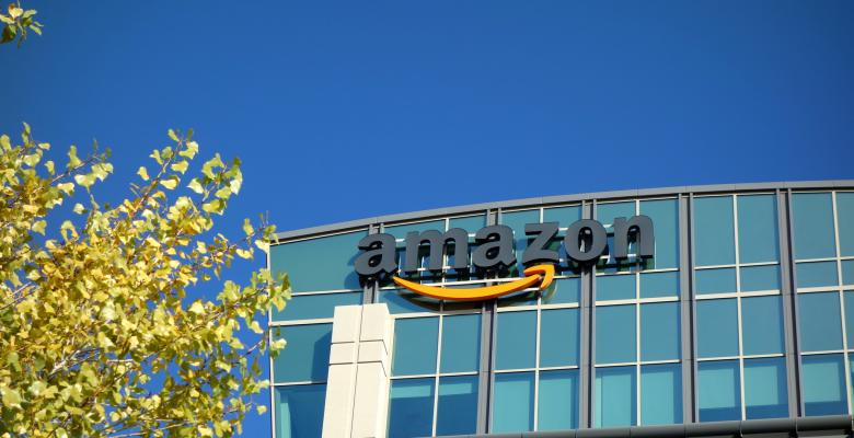 Report: Amazon Employees Accept Bribes to Remove Bad Product Reviews